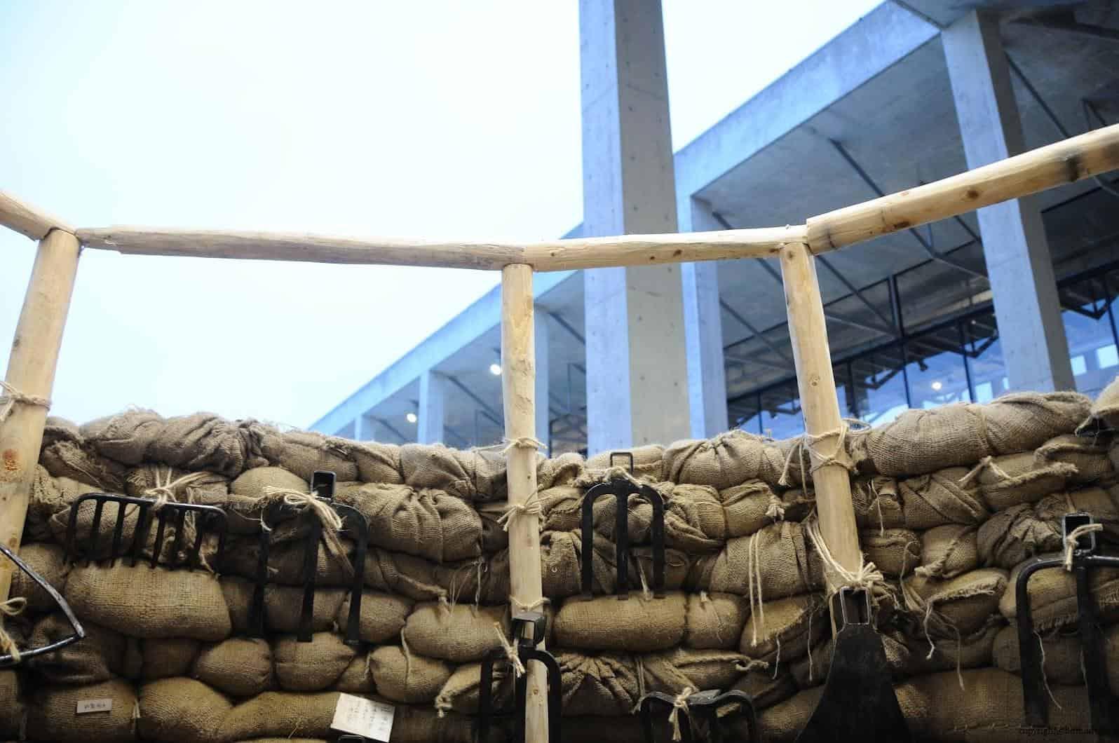 原廣司+ATELIER建築研究所,越後妻有里山現代美術館,2018企劃展「方丈記私記」,千變萬化的方格世界,讓藝術家們在長寬高皆約3公尺的「一方丈」空間裡,打造出他們想像中的世界 越後妻有里山現代美術館 越後妻有里山現代美術館 echigo tsumari kouryukan echigo tsumari exchange center 07