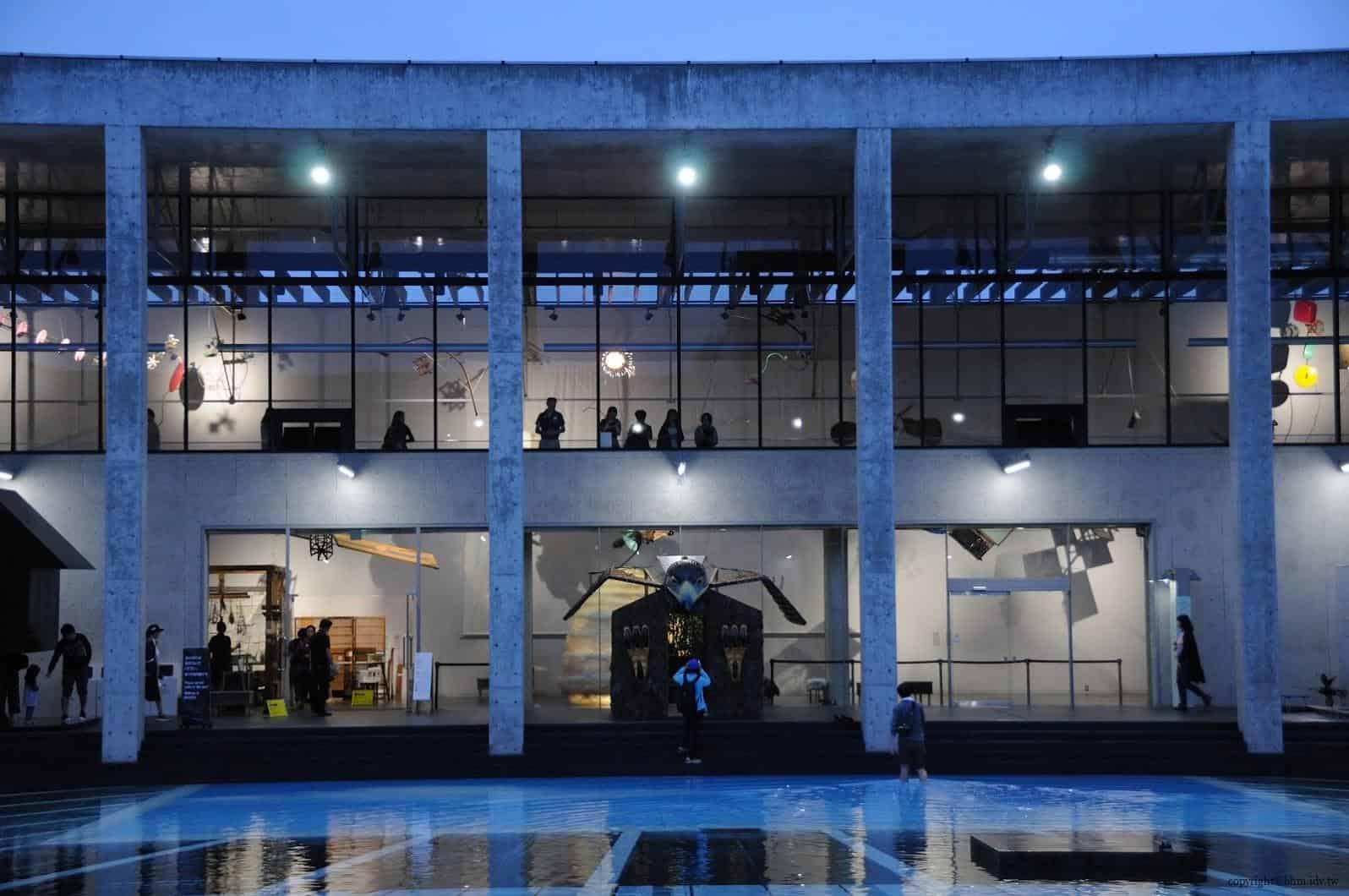 原廣司+ATELIER建築研究所,越後妻有里山現代美術館,2018企劃展「方丈記私記」,千變萬化的方格世界,讓藝術家們在長寬高皆約3公尺的「一方丈」空間裡,打造出他們想像中的世界 越後妻有里山現代美術館 越後妻有里山現代美術館 echigo tsumari kouryukan echigo tsumari exchange center 09