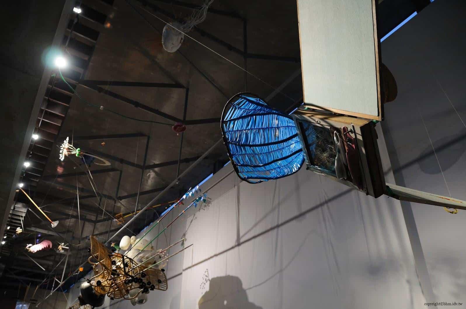 原廣司+ATELIER建築研究所,越後妻有里山現代美術館,使用當地各種回收素材做成的人造衛星,瑞士藝術家Gerda Steiner & Jorg Lenzlinger(ゲルダ・シュタイナー&ヨルク・レンツリンガー)的作品《GHOST SATELLITES》(ゴースト・サテライト) 越後妻有里山現代美術館 越後妻有里山現代美術館 echigo tsumari kouryukan echigo tsumari exchange center 15