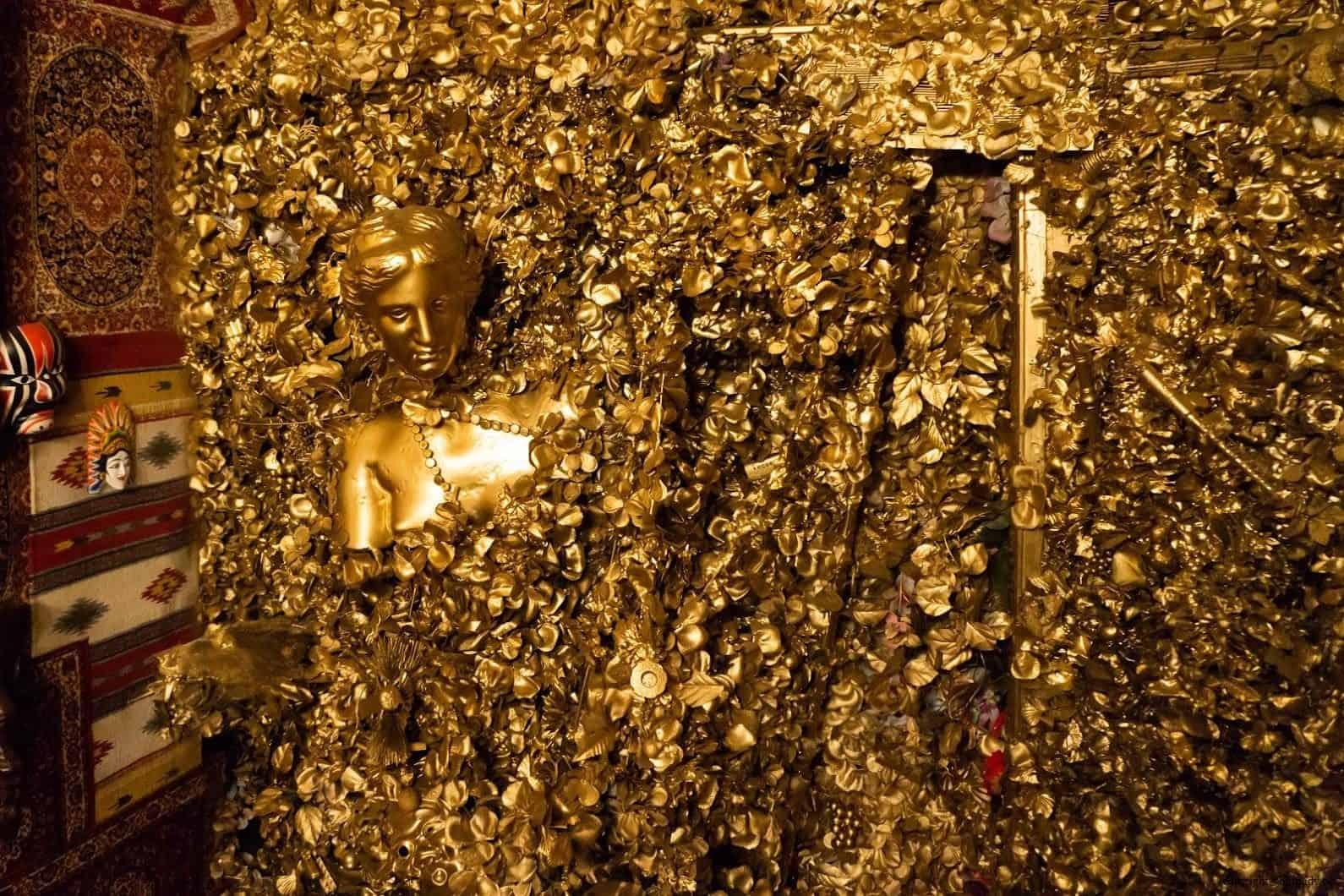 豊福亮,黃金遊戲場,違和的錯亂彷彿進入另一個異次元空間;在黃金花中掙扎而出的...人? 黃金遊戲場 黃金遊戲場 golden playroom 03 0x0