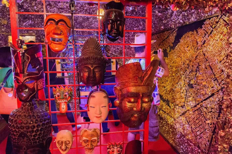 豊福亮,黃金遊戲場,違和的錯亂彷彿進入另一個異次元空間;詭異的世界上不同民情風俗面具 黃金遊戲場 黃金遊戲場 golden playroom 14
