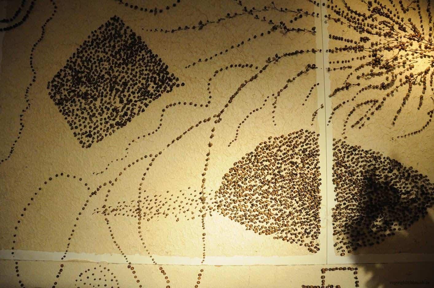 田島征三,繪本和樹木果實美術館,以「學校不是空的喔!」為主題,有密集恐懼症的人應該會不敢看這面牆 繪本和樹木果實美術館 繪本和樹木果實美術館 hachi seizo tashima museum of picture book art 16