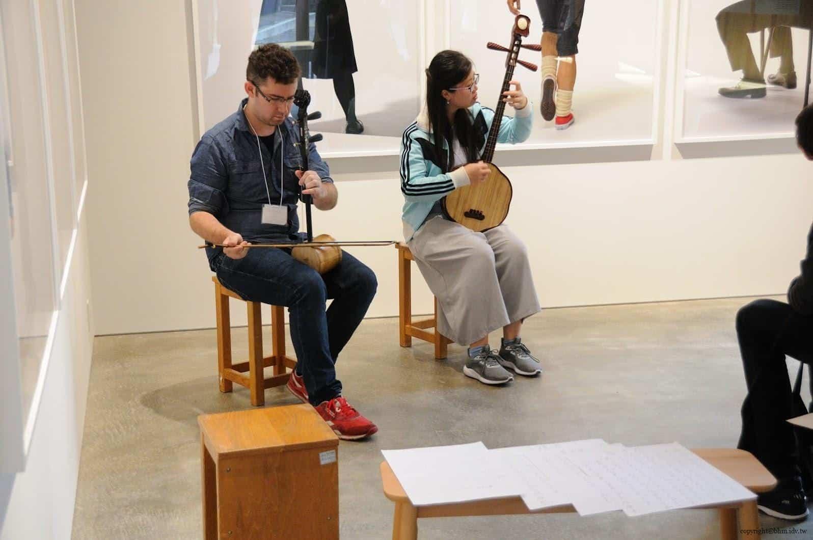 葉晉亨,香港部屋,前往當天現場正在進行中國音樂秦琴+提琴的演奏節目 香港部屋 香港部屋 hong kong house 07