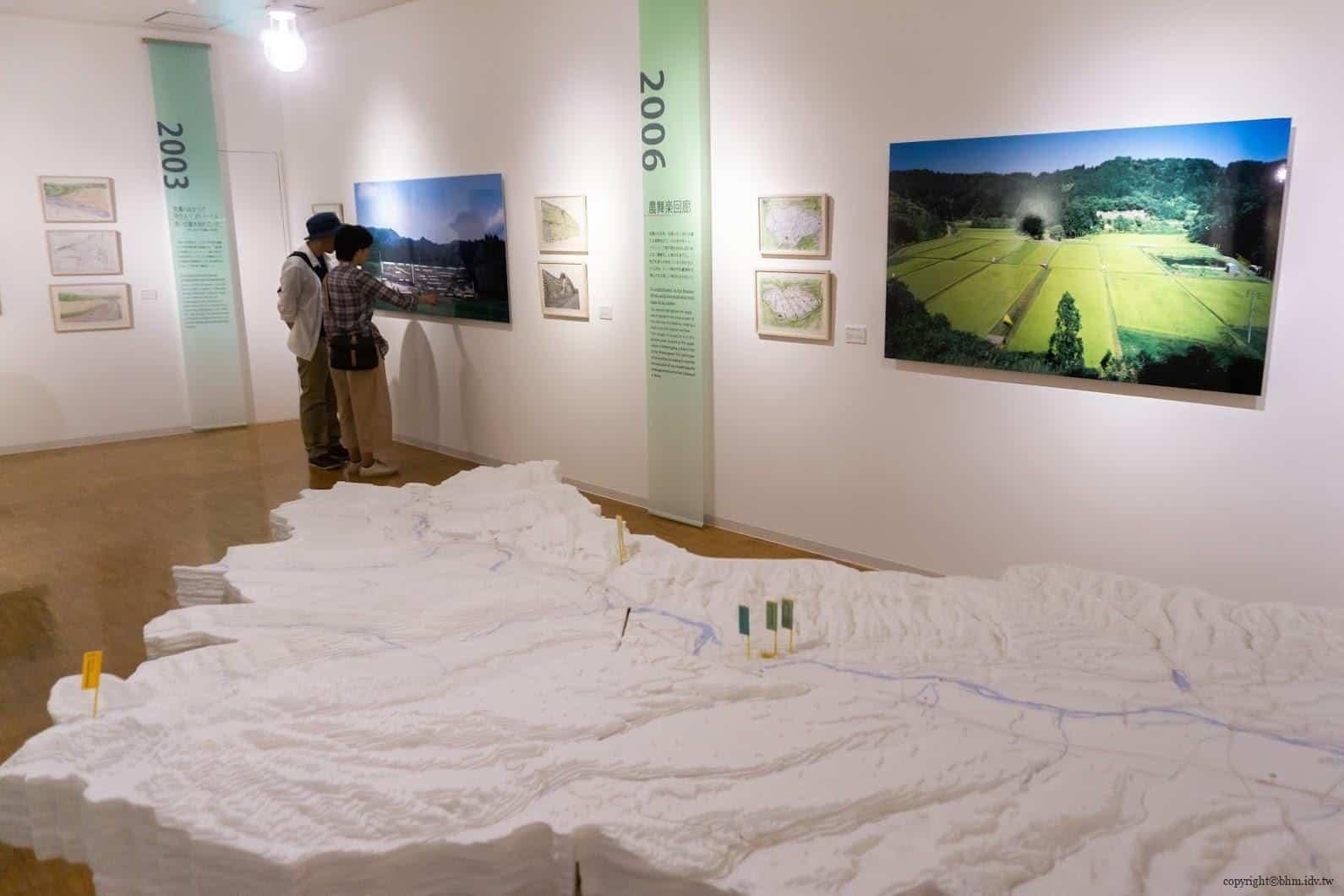 山本想太郎,越後妻有清津倉庫美術館,呈現出磯邊行久的歷年作品展示 活化廢棄學校 活化廢棄學校 kiyotsu warehouse museum 02