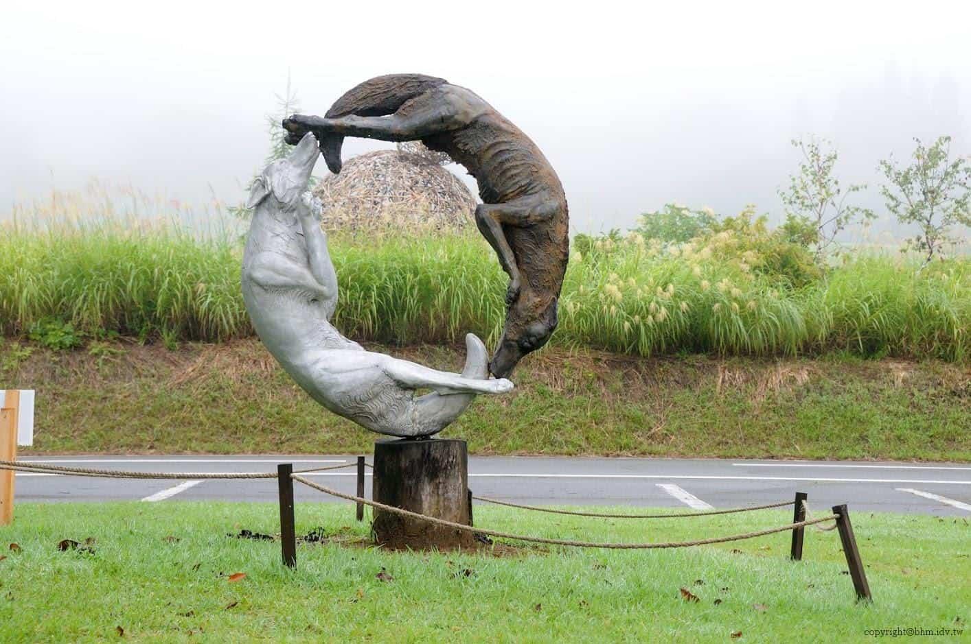 不知如何形容的狗咬狗繞圈圈@里山藝術動物園 里山藝術動物園 里山藝術動物園 satoyama art zoo 03