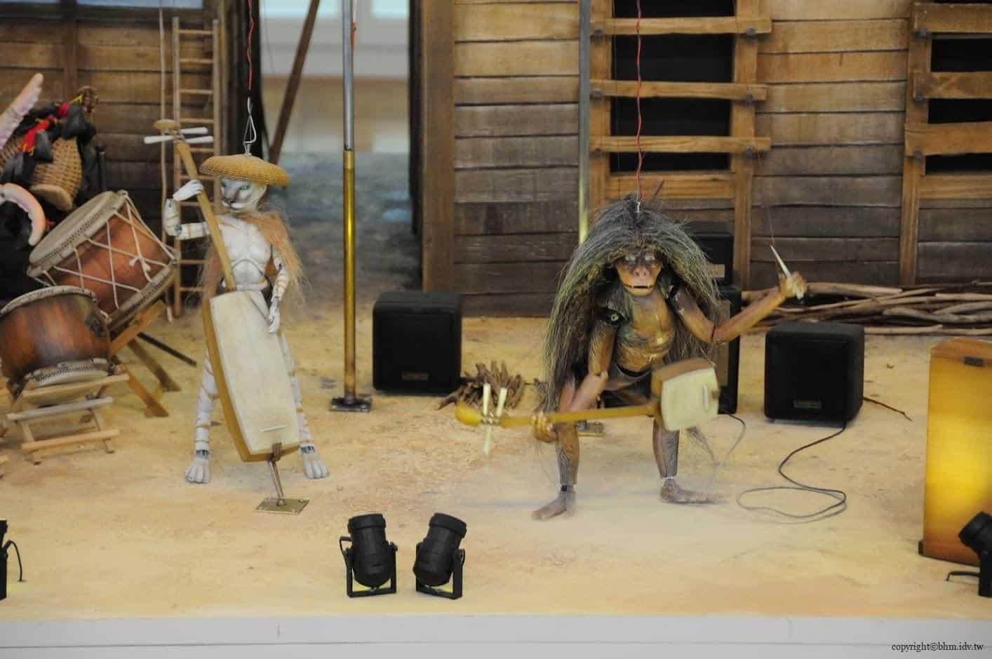 尼古拉‧達羅,上鄉樂團-四季之歌,由八爪章魚、猿人、猴子與白熊提線玩偶組成的樂隊,為前來的遊客獻唱多首關於津南四季的曲目 上鄉樂團-四季之歌 上鄉樂團-四季之歌 the kamigo band Songs for the Seasons 04
